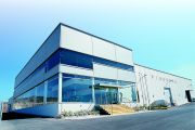 2000 - The new PIQUERSA factory is finished focusing the production and design process on the new facilities
