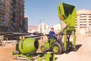 1988 - Piquersa Maquinaria, S.A. becomes one of the leaders in construction machinery due to the versatility of its products