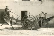 1955 - Piquer brothers' arrive in Almeria with earthmoving machinery